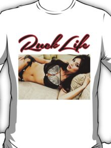 ruck life girl #8 T-Shirt