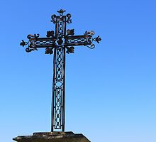 The Cross at Les Baux  by milyon