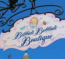 Bibbidi Bobbidi Boutique - Disneyland by jennisney
