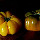 Deux tomates by Jean-Luc Rollier