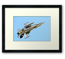 Luftforsvaret F-16AM Fighting Falcon 686 Framed Print