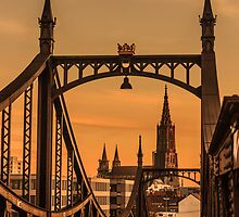Through the Bridge by Constantin Fellermann