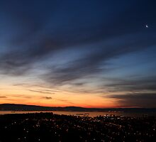 Crescent Moon Over the City by the Bay by 3Spoke