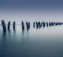 Clifton Jetty by Noeline R