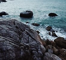 Rocky Shoreline by visualspectrum