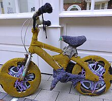 Knit Your Own Bicycle Warmer by Fara