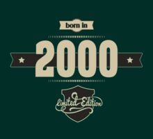 Born in 2000 (Cream&Choco) T-Shirt