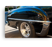 4962_The Mundane Reflected in the Classic  Canvas Print