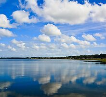 Reflected clouds by jenbucheli