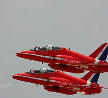 Red Arrows at Waddington Airshow by Jonathan Cox