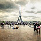 Eiffel Tower by saaton