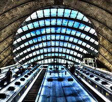 Canary Wharf Station by DavidHornchurch
