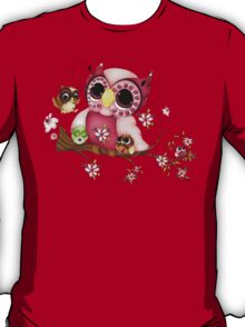 Under Her Wings - Mothers Day Owl Art T-Shirt