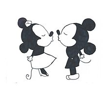 Minnie Mouse and Mickey Mouse  by cailikoala