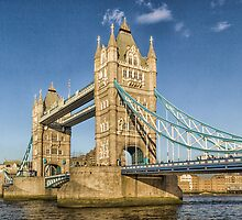 Tower Bridge London by Ian Hufton