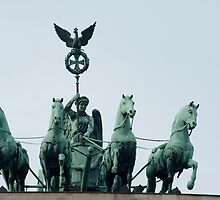 Quadriga statue by photoeverywhere
