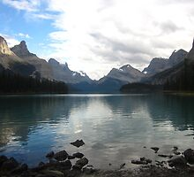 Maligne Lake Reflections by justineb