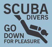 Scuba divers go down for pleasure by nektarinchen