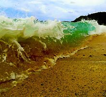 Waimea shorebreak by ports92
