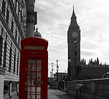 Red phone box, London by monmarilt