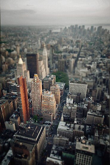 The Giant Over The Big Apple by marcomartinelli