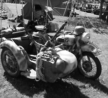 Gun carrying sidecar by Robert Gipson