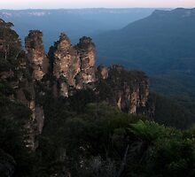 Blue Mountains - The Three Sisters View01 by Timothy Kenyon