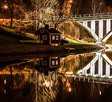 House by the canal by macsphotography