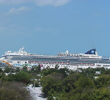 Cruise ship by GleaPhotography