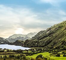 Nant Gwynant panoramic by Paul Madden