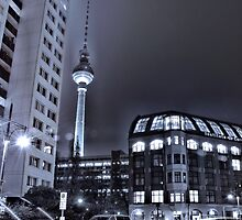 Fernsehturm in Berlin bei Nacht ( TV tower at night ) by pdsfotoart
