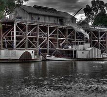 Echuca steamer pier by collpics