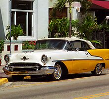 Miami Beach Classic Car by Frank Romeo