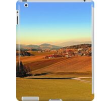 Picturesque panorama of countryside life | landscape photography iPad Case/Skin