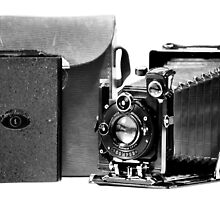 Voigtlander ~ Avus folding plate camera by Laurie Minor