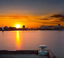 Sunrise at Princess Pier viewing the Spirit of Tasmania Cruise ship at St Kilda, Victoria, Austarlia by Ben  Cadwallader