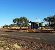 Poddy Creek Rest Stop Dunny, Queensland by RedNomadOZ