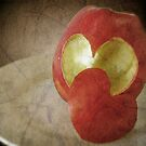 Appleheart by Maria  Gonzalez