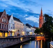 Bruges Church of our Lady by aaronchoi