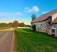 Traditional farmhouse scenery | landscape photography by Patrick Jobst