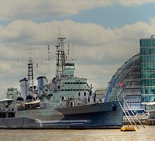HMS Belfast  by larry flewers