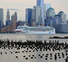 Cruise Ship Norwegian Gem On The Hudson River! by pmarella