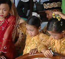 wedding guests by bayu harsa