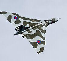 Avro Vulcan XH558 by PhilEAF92