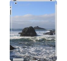 Crashing Waves and Rocky Tide Pools iPad Case/Skin