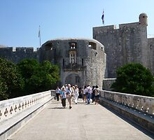 Dubrovnik bridge and entrance. by machka