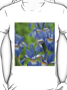 Into a blue iris dream... T-Shirt