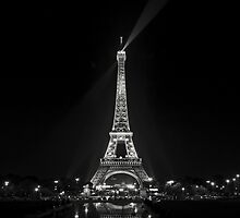 Night view over the Eiffel Tower by António Jorge Nunes