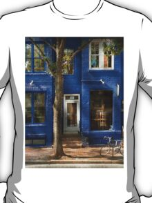 City - Bike - Alexandria, VA - The urbs T-Shirt
