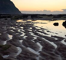 sand waves 2 by Ross Hipwell